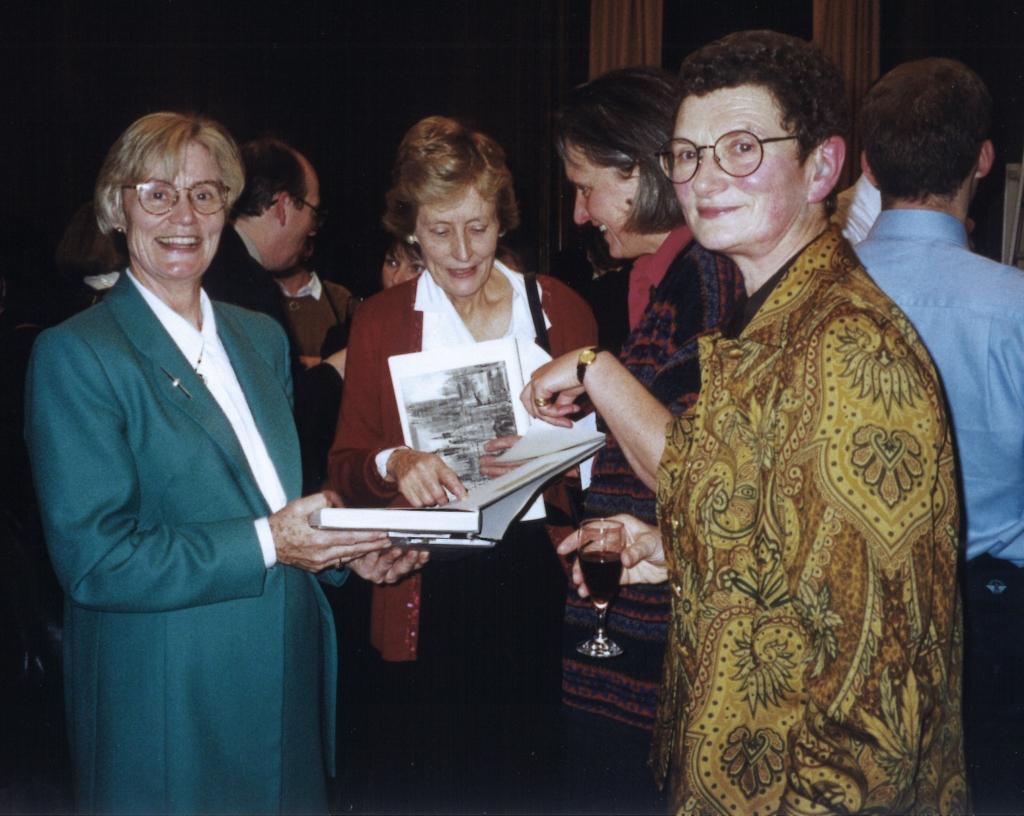 HC Librarians c1999
