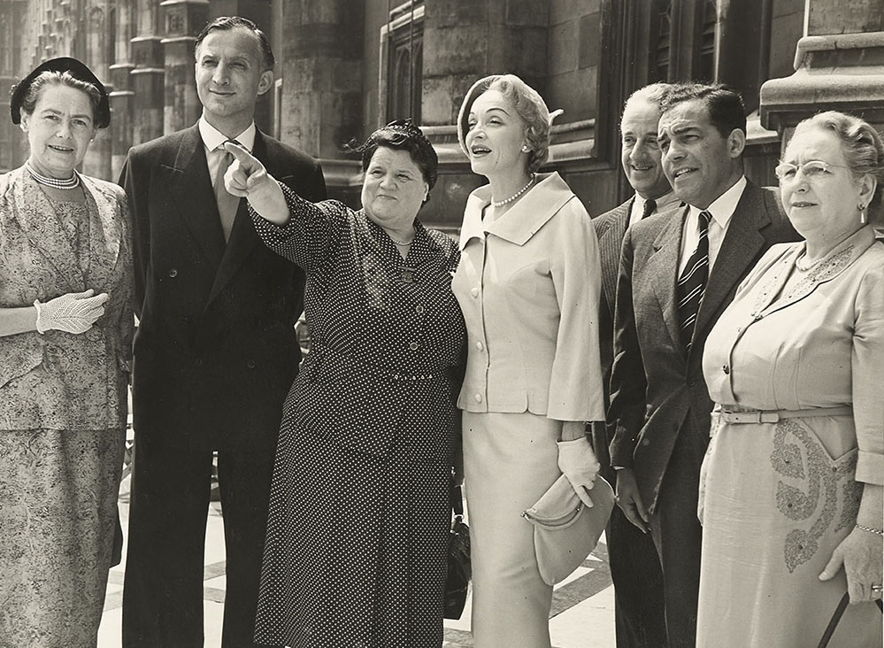 Bessie Braddock MP with Marlene Dietrich, Parliamentary Archives, PUD/14/100