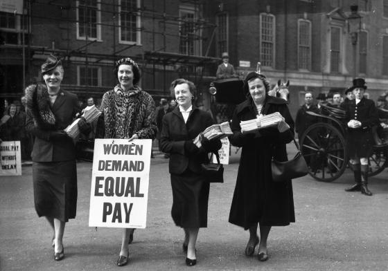 Women MPs delivering equal pay petition 1954. Copyright: Dave Bagnall/Alamy