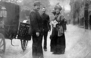 Alice Hawkins escorted to prison in 1913