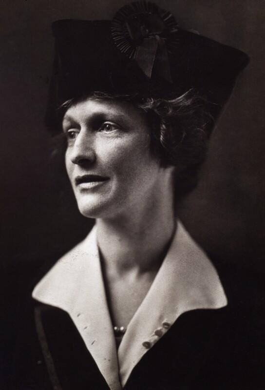 Nancy-Astor-Viscountess-Astor