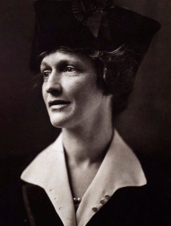 Nancy-Astor-National Portrait Gallery